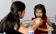 Uşak'ta PKU hastası çocuklar için özel hamburger