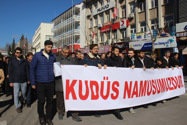 ABD'nin sözde barış planı Uşak'ta protesto edildi
