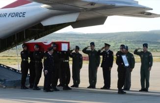 Şehit Jandarma Astsubay Üstçavuş Sadık Akın'ın naaşı Uşak'a getirildi
