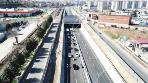 Uşak'ta üçüncü battı çıktının alt yolu trafiğe açıldı