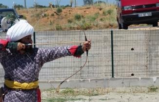 Uşak'ta okçuluk yarışması