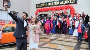 Uşak'ta Afrin mesajlı sevgililer günü etkinliği