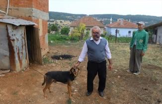 Uşaklı çiftçi yüzündeki tümörden kurtulmak istiyor